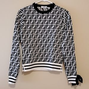 Sweaters - Black and white sweater with bow detail size s